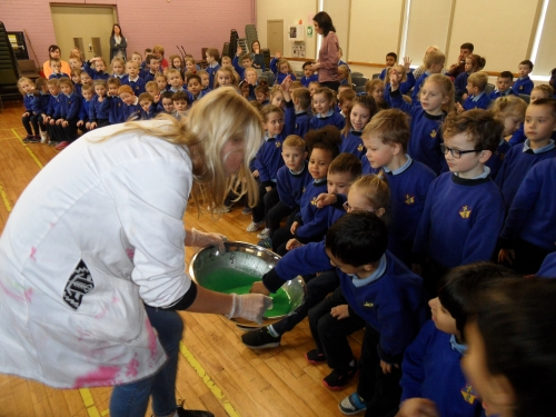 Junior Einsteins Science Club visit St. Louis Infant School